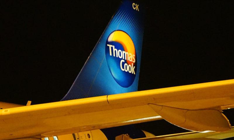 Thomas Cook Logo am Heck eines Flugzeugs